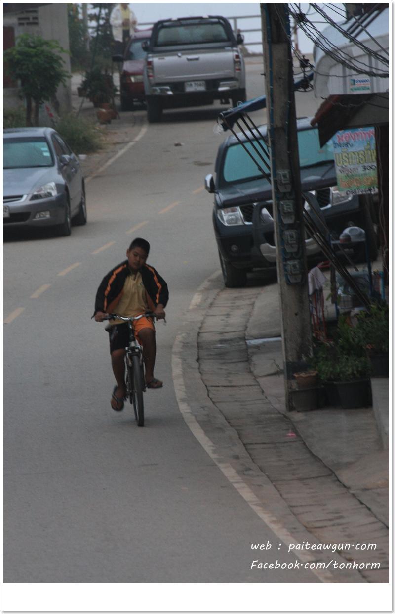 https://paiteawgun.com/blog/wp-content/uploads/2011/12/chiangkhan_064.jpg