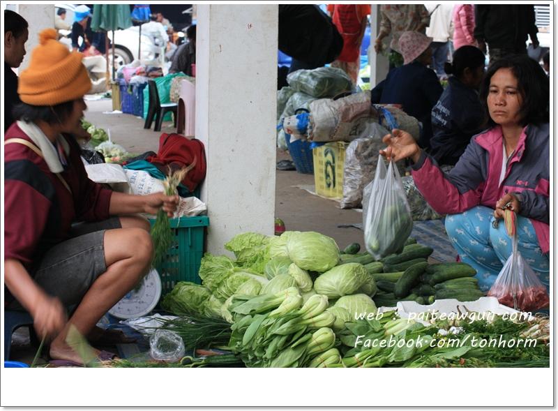 https://paiteawgun.com/blog/wp-content/uploads/2011/12/chiangkhan_065.jpg